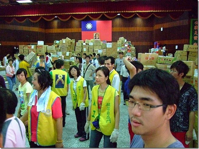 【攝影】莫拉克颱風 – 台南縣政府下營國小志工