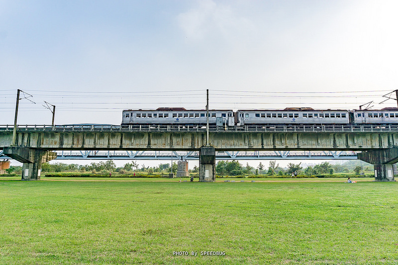 光華號.台鐵光華號,dr2700,銀漾白鐵,白鐵,台鐵,舊鐵橋溼地公園