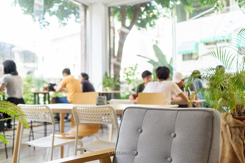 台南東區美食|鹿耳晚晚早餐.大片落地窗環境明亮.巷弄內不限時早午餐