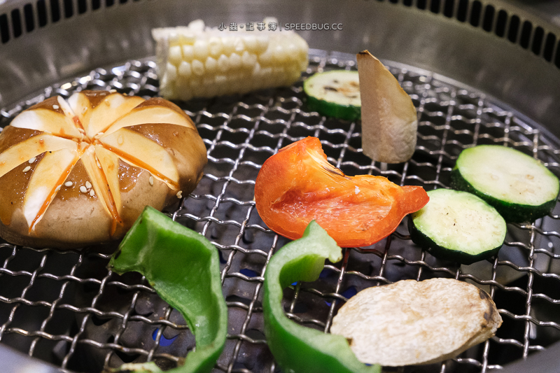 好想燒肉,高雄燒肉,高雄單點燒肉,白色貨櫃燒肉,貨櫃屋燒肉,高雄美食,好好鍋,好想鍋,高雄單點燒肉