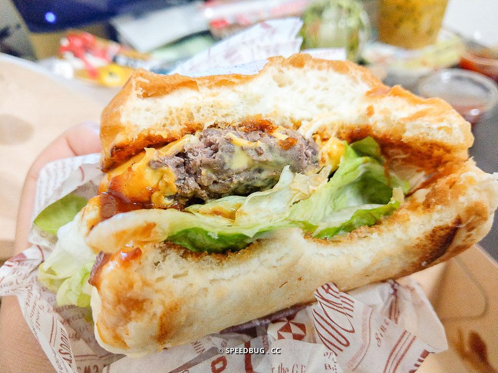 高雄美食,高雄特色餐車,手作漢堡,高雄漢堡,高雄餐車,新崛江美食,牛肉漢堡,美式漢堡,手作美式漢堡
