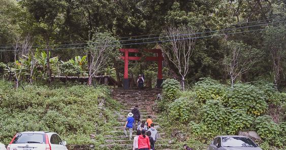 今日熱門文章:高雄|達卡努瓦神社遺跡.那瑪夏隱身竹林間的日本神社.樹林間的紅色大鳥居