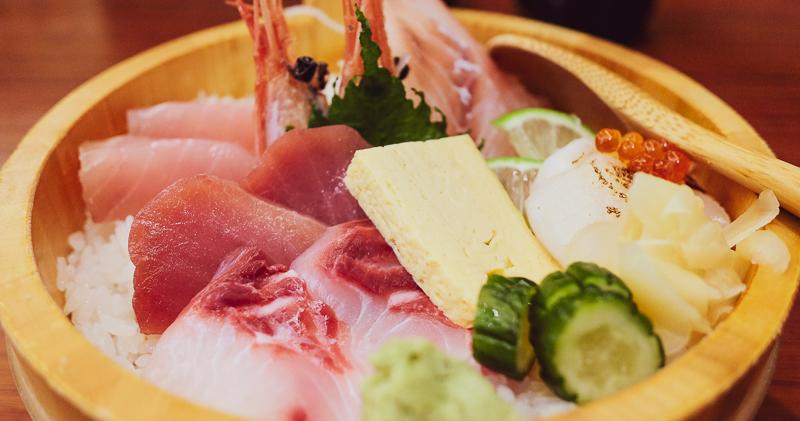 今日熱門文章:高雄鳳山美食|箸福手作壽司丼飯.五甲壽司丼飯日本料理